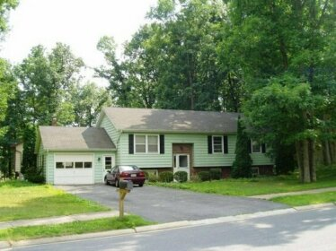 394 Oakwood Ave 5 Bedrooms Available