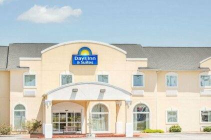 Days Inn & Suites by Wyndham Swainsboro