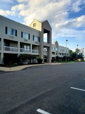 Quality Inn Syracuse Carrier Circle