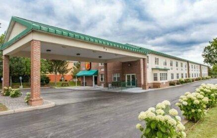 Super 8 by Wyndham Syracuse East Hotel