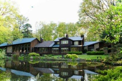 The Inn at White Oak
