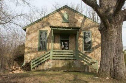 The Buck School Inn