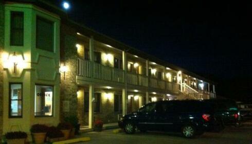 East Street Inn & Suites