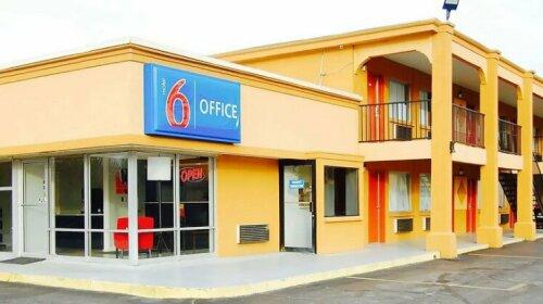 Motel 6 Tupelo MS- Downtown