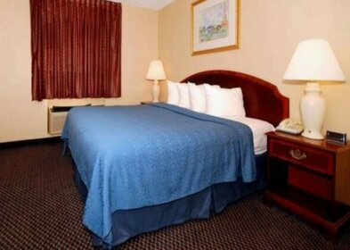 Econo Lodge Inn & Suites Waterloo