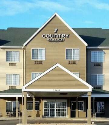 Country Inn & Suites by Radisson Watertown SD