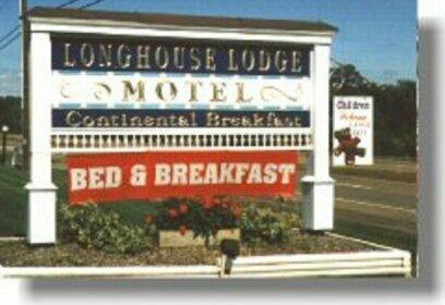 Longhouse Manor B&B