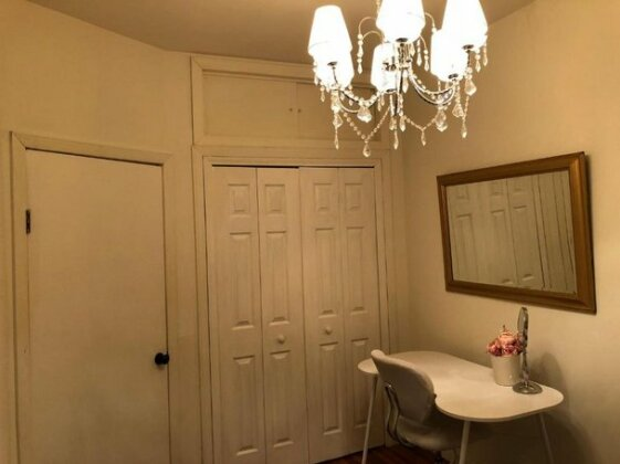 1 Queen Room In A 3 Bedrooms 1 Bathroom House- 10 Mins To Times Square- Photo5