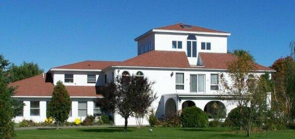 Villa Sojourn on the Merrimack