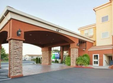Holiday Inn Express- West Sacramento