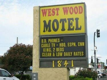West Wood Motel