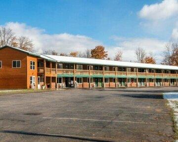 Econo Lodge Inn & Suites Munising Area