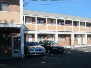 Central Motel Courtyard