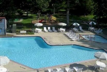 Williamsburg Camping Resort Wheelchair Accessible Park Model 6