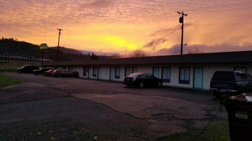 Quick Stop Motel & Market