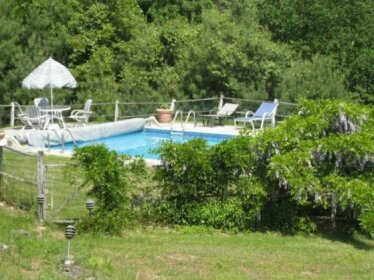Woodstock Cottage and Pool