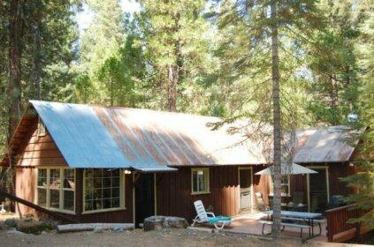 RedAwning Cabin 6 South Fretz's Den