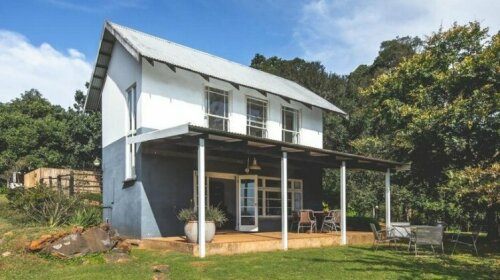 The Knoll Historical Guest Farm