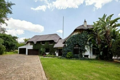 Spacious secure private one bed-roomed cottage