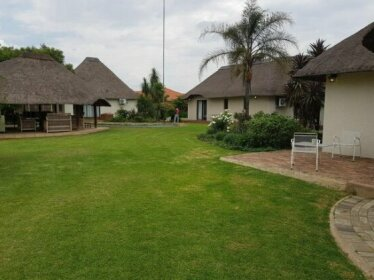 12 On Vaal Drive Guesthouse
